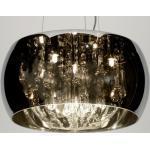 Aparte en bijzondere hanglamp gemaakt van glas voorzien van een chromen kleur en druppelvormige kristallen aan de binnenzijde.